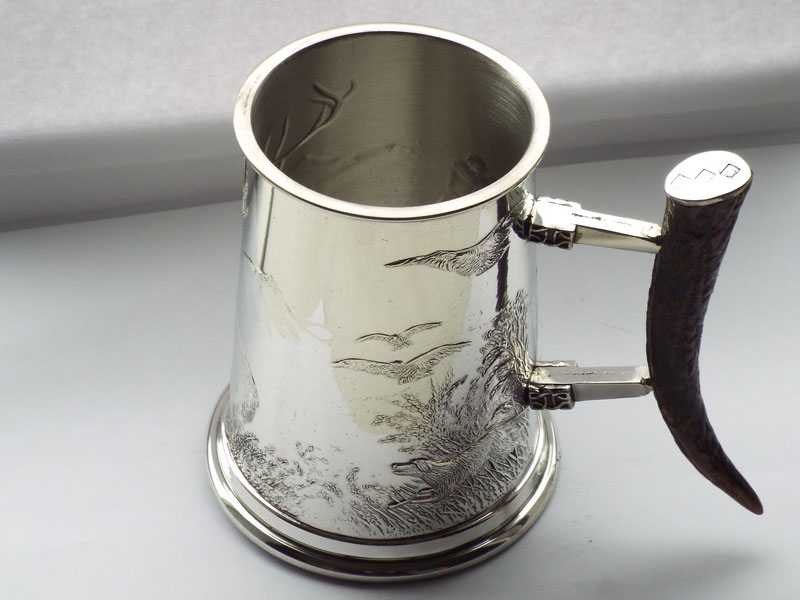 1 Pint Embossed Monarch Pewter Tankard with Stag Horn Handle (T020)