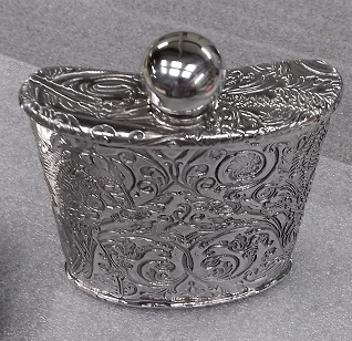 6oz kidney flask embossed foliage of the highlands