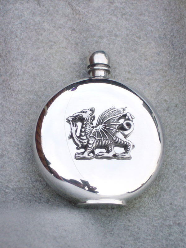 6oz Round Pewter Flask with The Welsh Dragon Badge (F062)