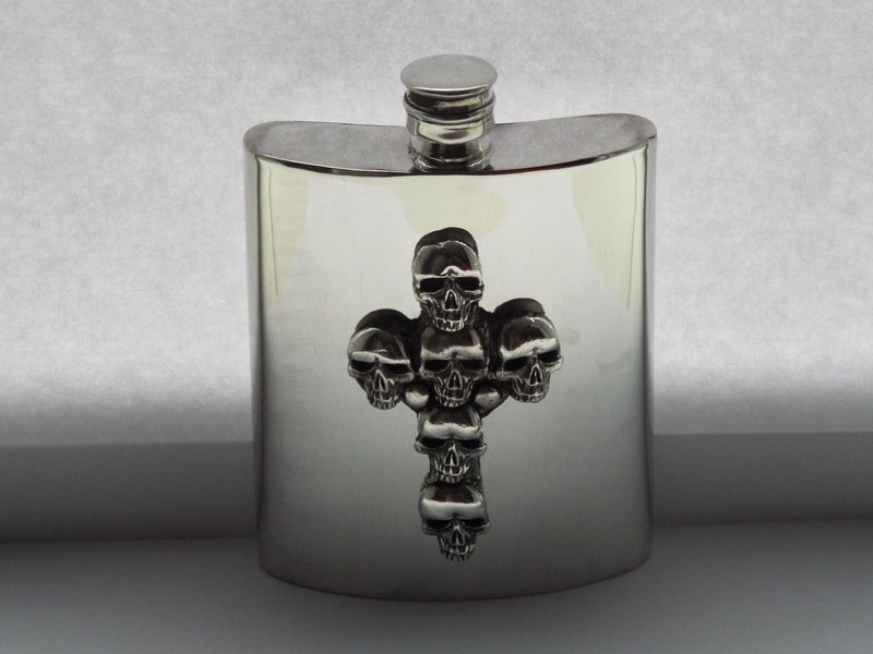 6oz Kidney Shaped Pewter Flask with The Crossed Skulls Badge (F079)