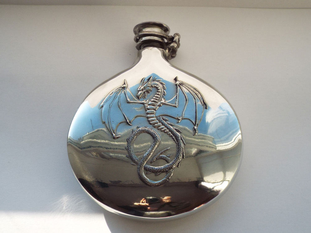 6oz Embossed Wyverex Dragon Design Pewter Flask with Captive Top (F088)