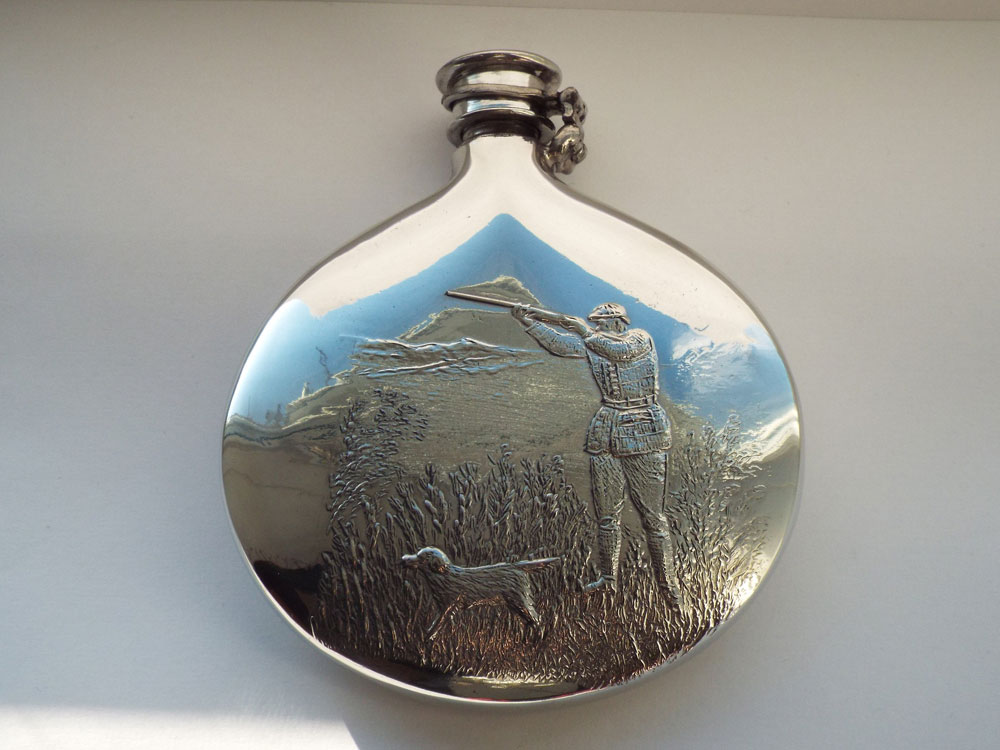 Sporran Pewter Hunting Flask with Captive Top