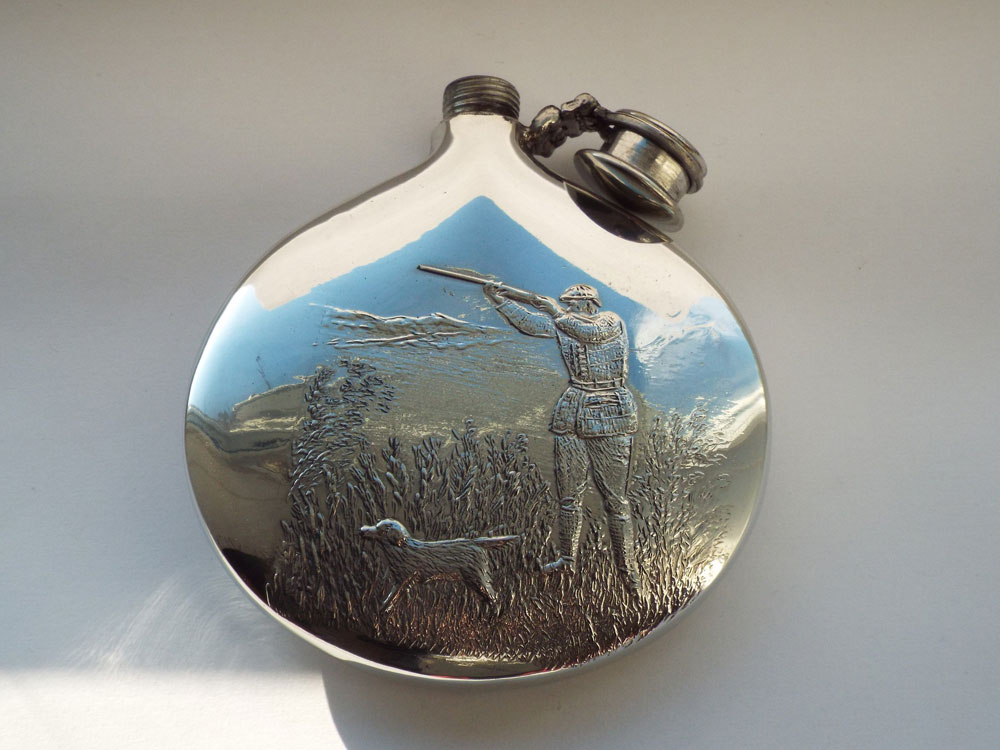 6oz Sporran Pewter Hunting Flask with Captive Top (F089)