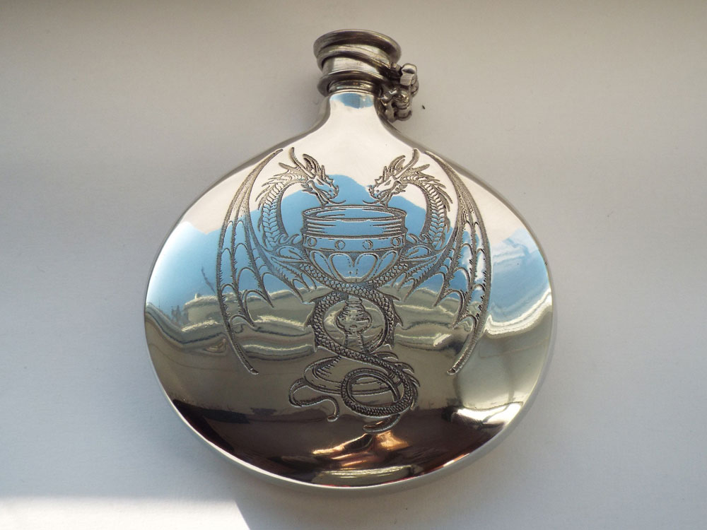 6oz Dragon Design Pewter Sporran Flask with Captive Top (F092)
