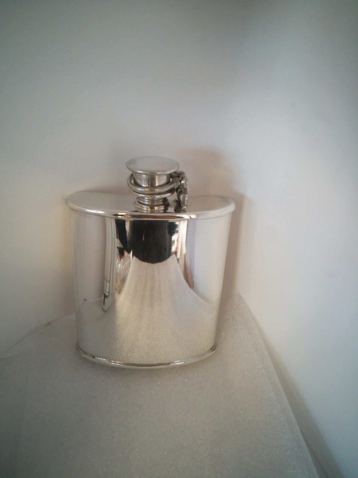 6oz Plain Kidney Shaped Pewter Hip Flask (F052)