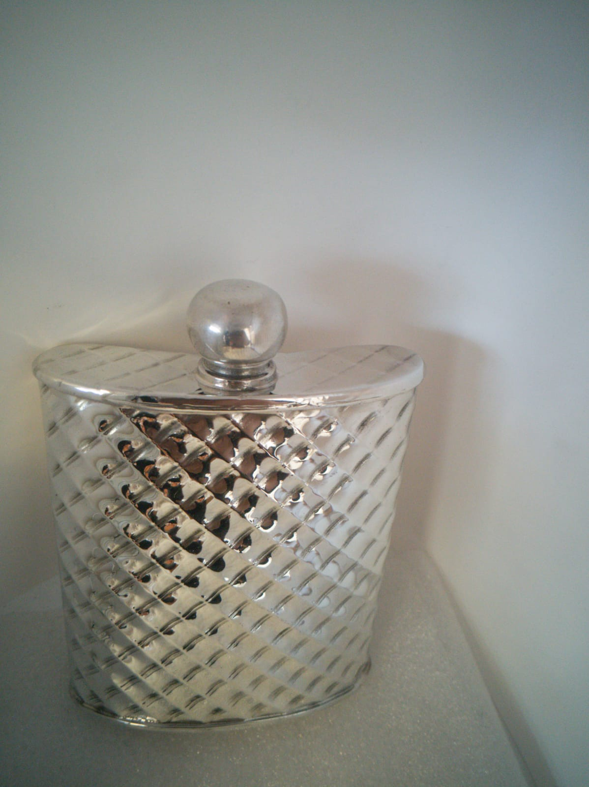 F116 6oz Diamond embossed kidney flask
