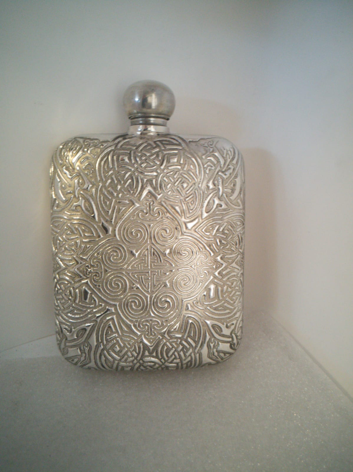 F123 4oz Embossed Icovalanua flask