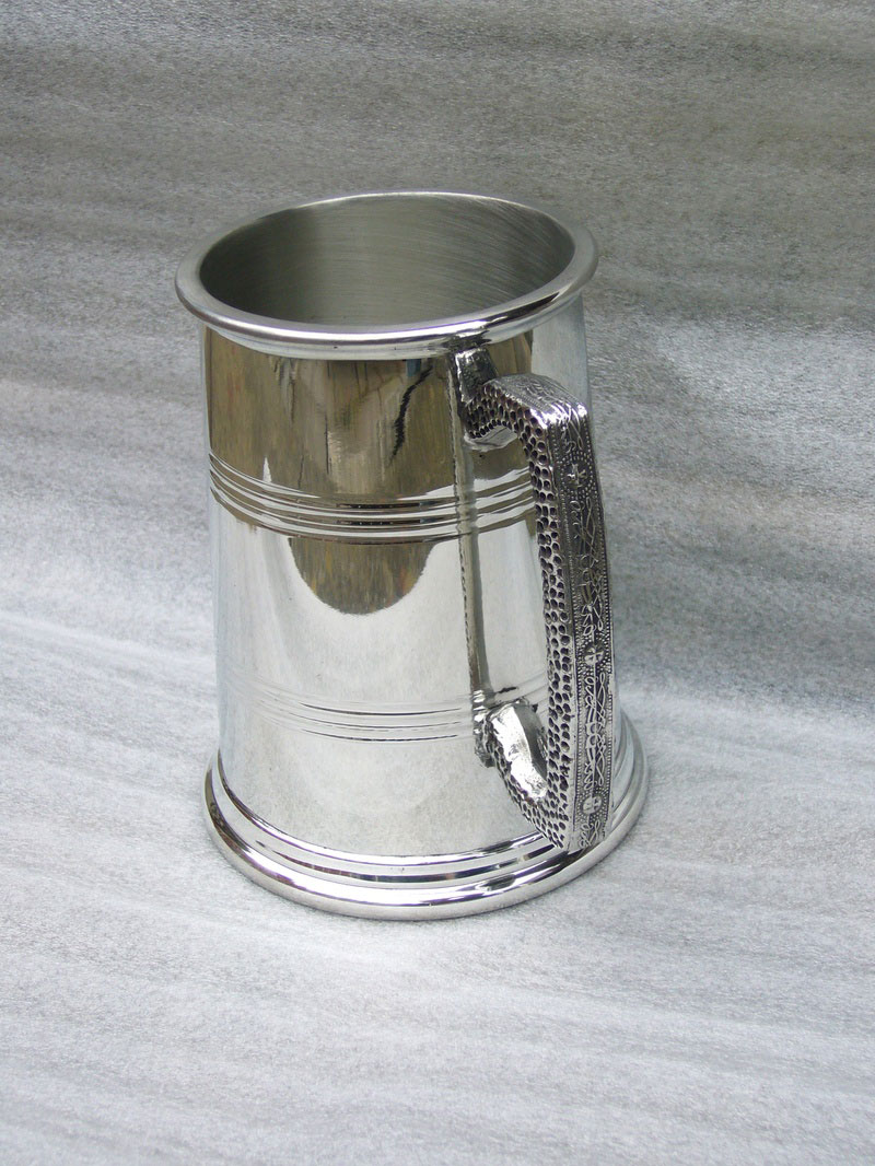 1 Pint Pewter Tankard with Square Celtic Band Handle (T002)